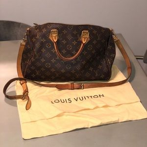Louis Vuitton Speedy Bandoulière cross body 35